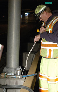 wiring a roadway light